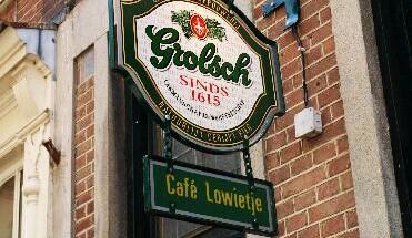 cafe lowietje - Bij ons in de Jordaan - speurtocht-amsterdam-puzzeltocht-amsterdam