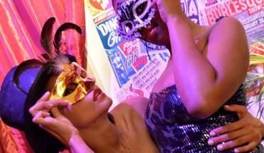 fotoshoot vrijgezellenfeest burlesque - Boek een leuk vrijgezellenfeest in Amsterdam -