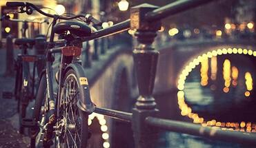 happen trappen amsterdam - Happen & Trappen - De culinaire tour op het o' zo Amsterdamse vervoersmiddel: de fiets! Jullie bezoeken vanavond drie verschillende restaurants tijdens deze culinaire fietstour met leuke gids(en)