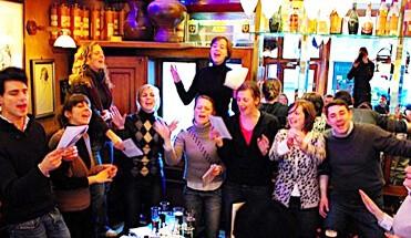 smartlappen tour amsterdam - Jordanese Smartlappentour - 100% Jordaan tijdens onze Jordanese Smartlappentour. Breng een bezoek aan de oude volkswijk en zing net als Johnny, Willy en Tante Leen tijdens onze smartlappen workshop.