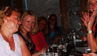 widm aan tafel - Wie is de Rat aan Tafel - vrijgezellenfeest-vrijgezellenuitje-amsterdam avondprogramma-amsterdam